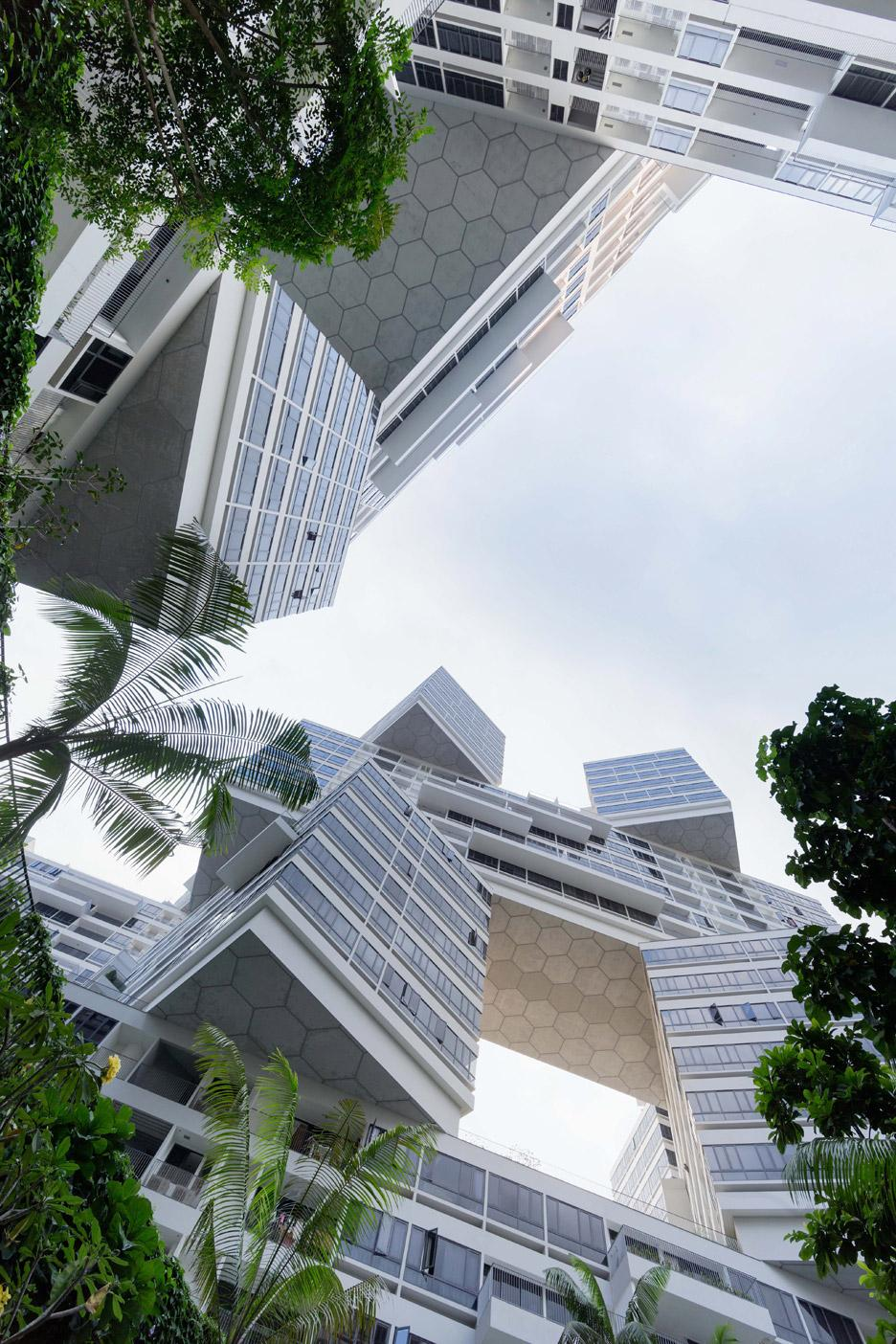 Le gratte-ciel superposé